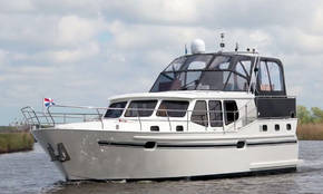 Motorboot Julia Yachts4U Friesland Holland.jpg